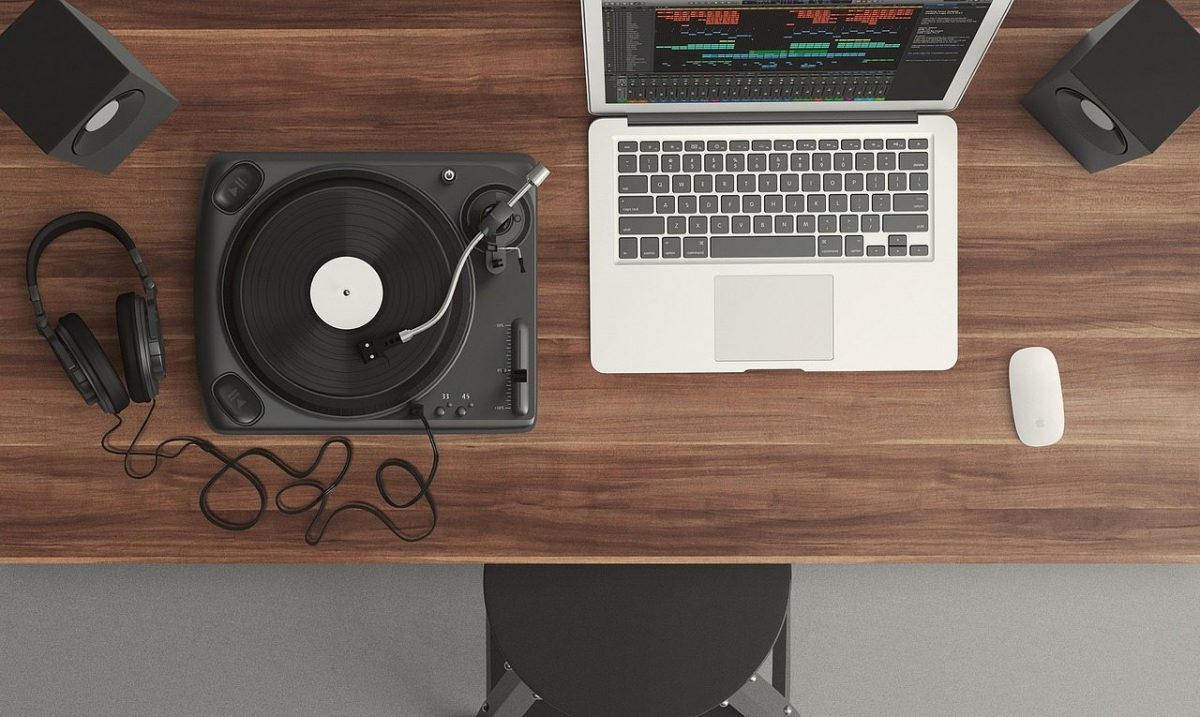 Tips Memilih Produk Audio Video untuk Hiburan di Rumah