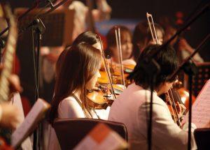 5 Alat Musik Yang Layak Kamu Pelajari Cara Bermainnya